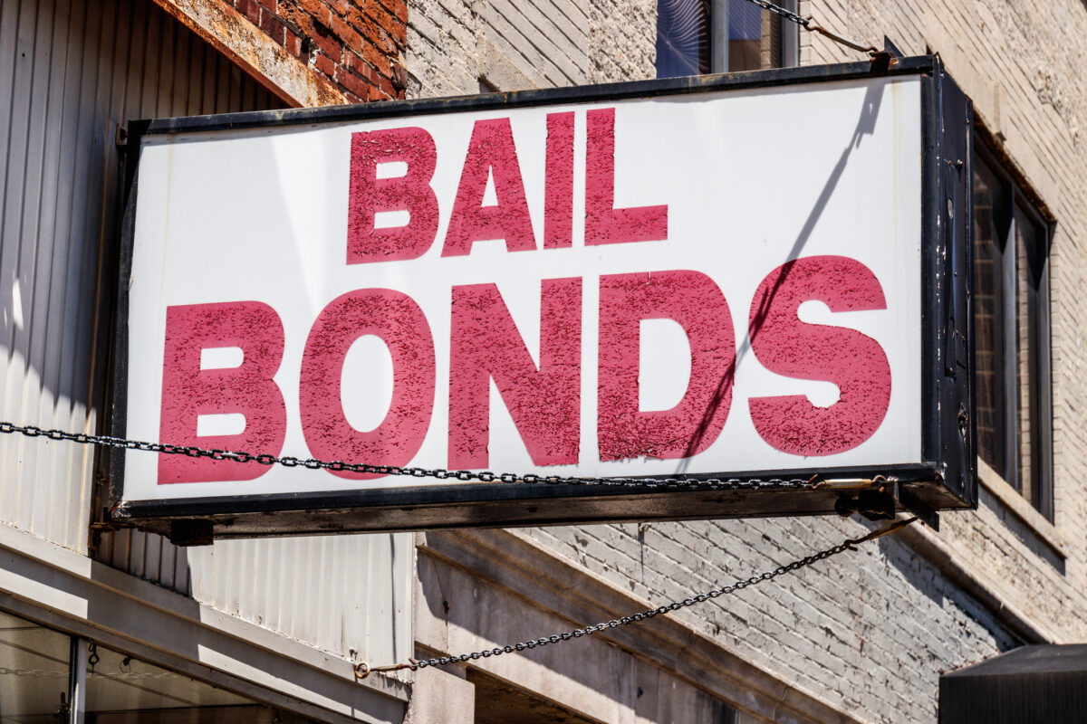 how do bail bonds work